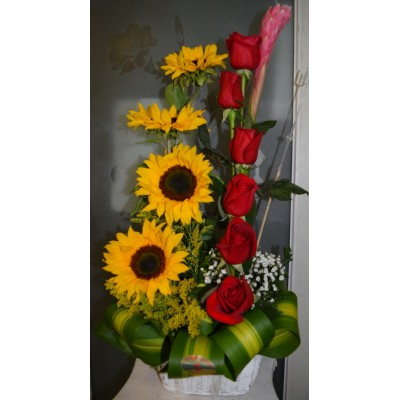 RG40 Roses and Sunflower